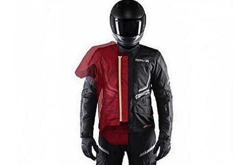 Фото Необычные подушки безопасности - куртка для байкера