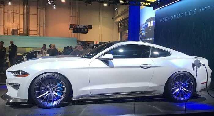 Фото Электрокар Mustang Lithium - дизайн